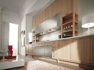 Walnut kitchen with handles - Cucina in noce con maniglie - Cucina in noce sbiancato a poro aperto noce - acciaio con disegno e maniglia finitura peltro
