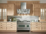 Walnut kitchen with handles - Cucina in noce con maniglie - Cucina in noce naturale a poro aperto