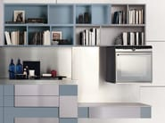 Lacquered fitted kitchen without handles