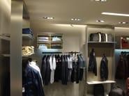 Customized shopfitting SHOPFITTING - YDF