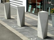 Fixed reinforced concrete bollard ACKORD - Nola Industrier