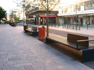 Steel Bench with armrests with back CITY WALK - Nola Industrier