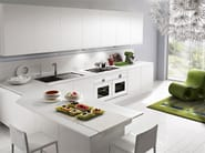 Lacquered kitchen with handles with peninsula SFERA | Kitchen with peninsula - DIBIESSE
