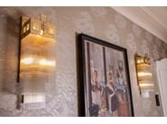 Lampada da parete a luce diretta fatta a mano in ottone WIENER II | Lampada da parete - Patinas Lighting