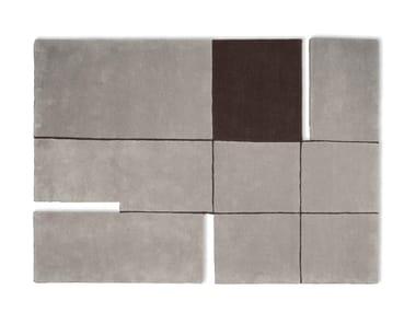Rectangular wool rug A 180°