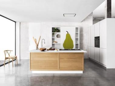Cucina in rovere con isola LEGNO VIVO By GD Arredamenti design ...