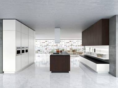 IDEA | Kitchen with island By Snaidero design Pininfarina