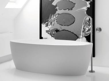 Freestanding oval bathtub MAYA