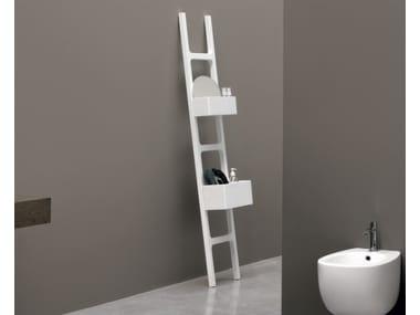Scala porta asciugamani legno infissi del bagno in bagno - Scala per bagno ...