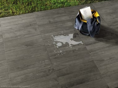 Porcelain stoneware outdoor floor tiles with wood effect AXI | Porcelain stoneware outdoor floor tiles