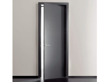 Hinged lacquered door RL08