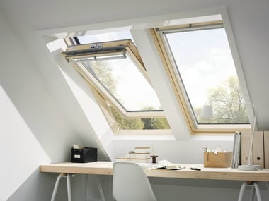Centre-pivot Manually operated pine roof window GGL VELUX