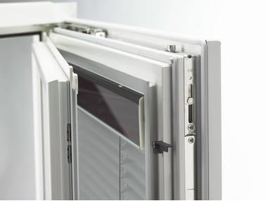 Persiana veneciana integrada en la ventana I-TEC INTEGRATED SHADING