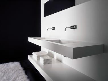 Meubles et eclairage pour salle de bain