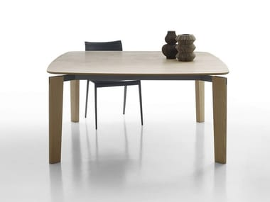 Square wooden table OSKAR | Wooden table