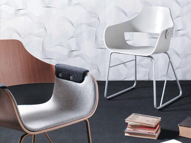 Sled base steel and wood chair SHOWTIME | Steel and wood Restaurant chair