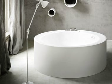Freestanding round Korakril™ bathtub HOLE | Round bathtub