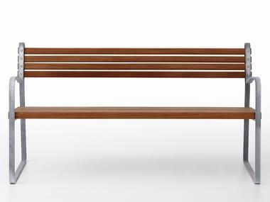 Panchina in legno con braccioli RIBB