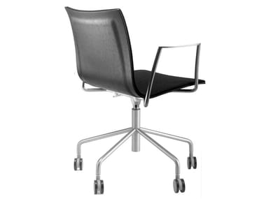 Design tanned leather chair with 5-spoke base with armrests with casters THIN | Task chair
