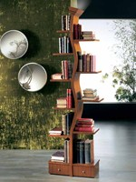 Freestanding lacquered gold leaf bookcase with built-in lights GIOVANE ALBERO - Carpanelli Classic