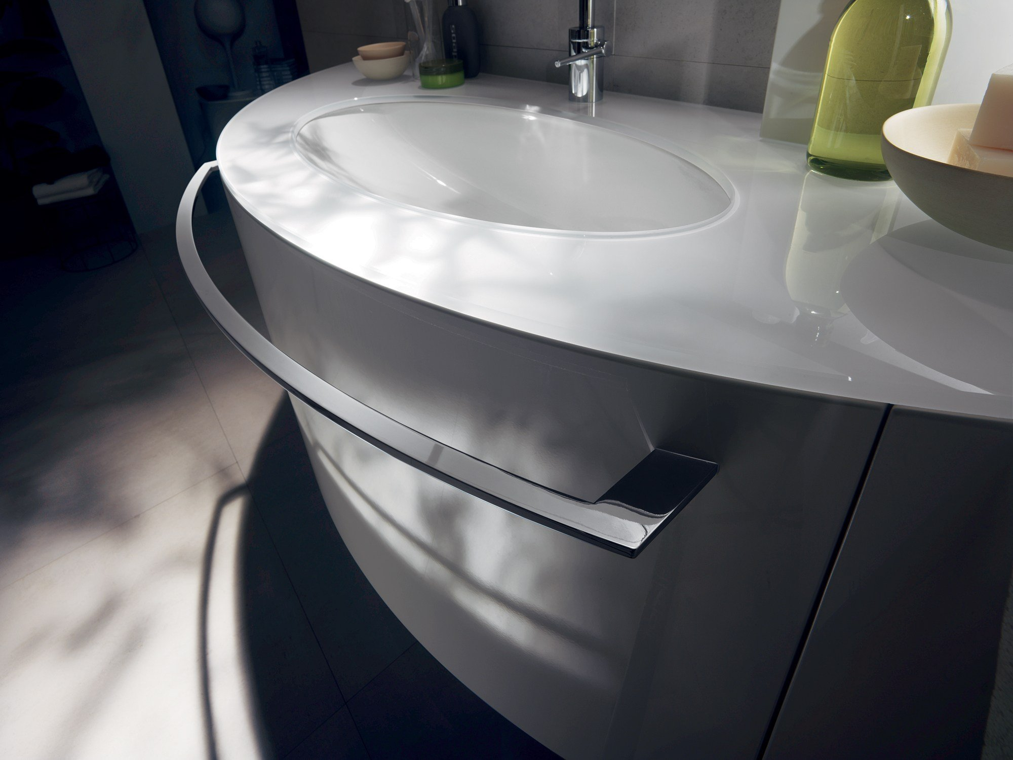 Arredo bagno completo aquo by scavolini bathrooms design for Pisicchio arredamenti