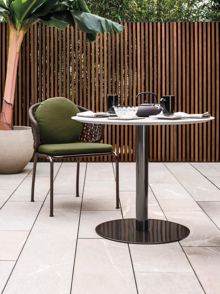 bellagio bistrot outdoor by minotti design gordon guillaumier. Black Bedroom Furniture Sets. Home Design Ideas