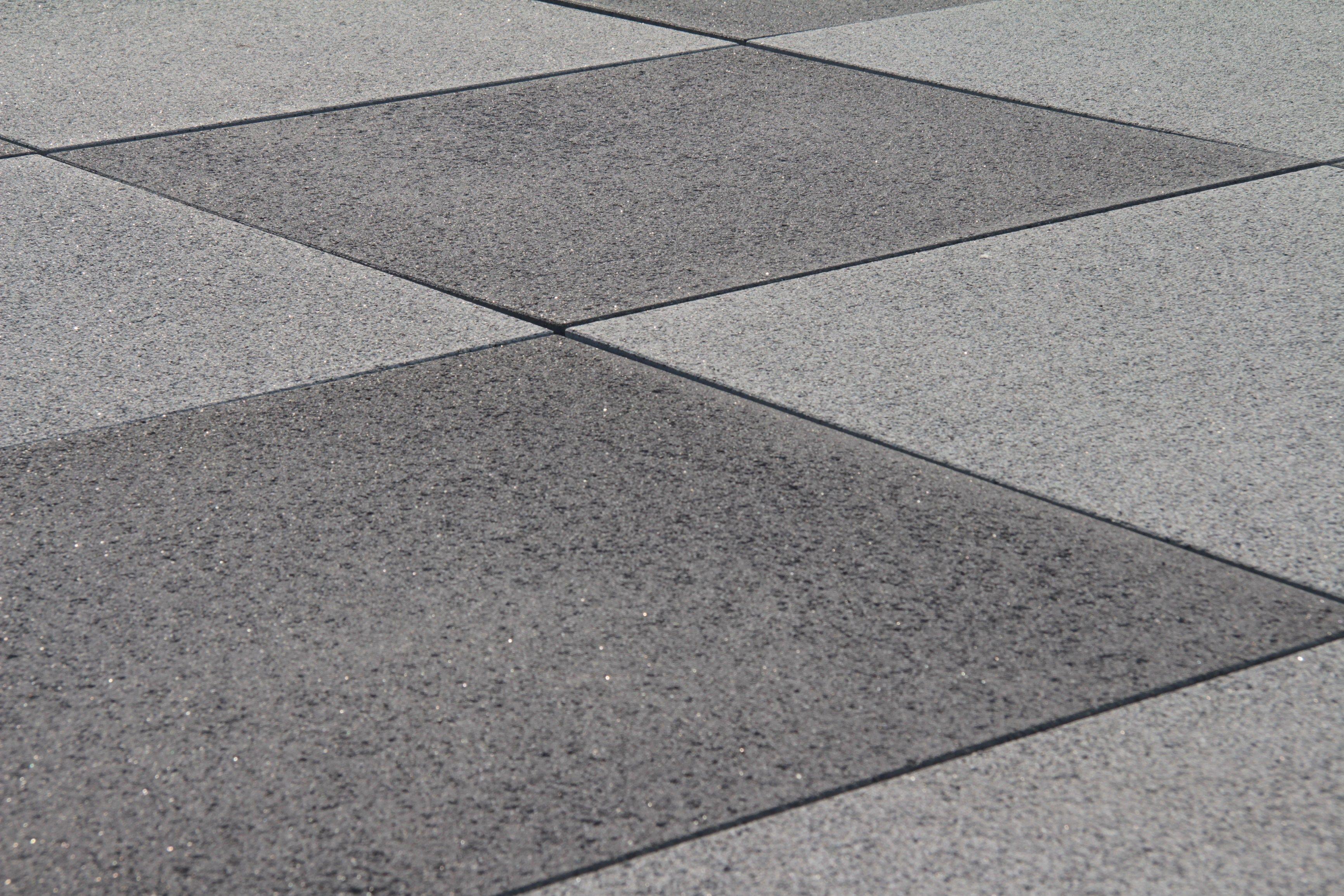 Asphalt floor tile