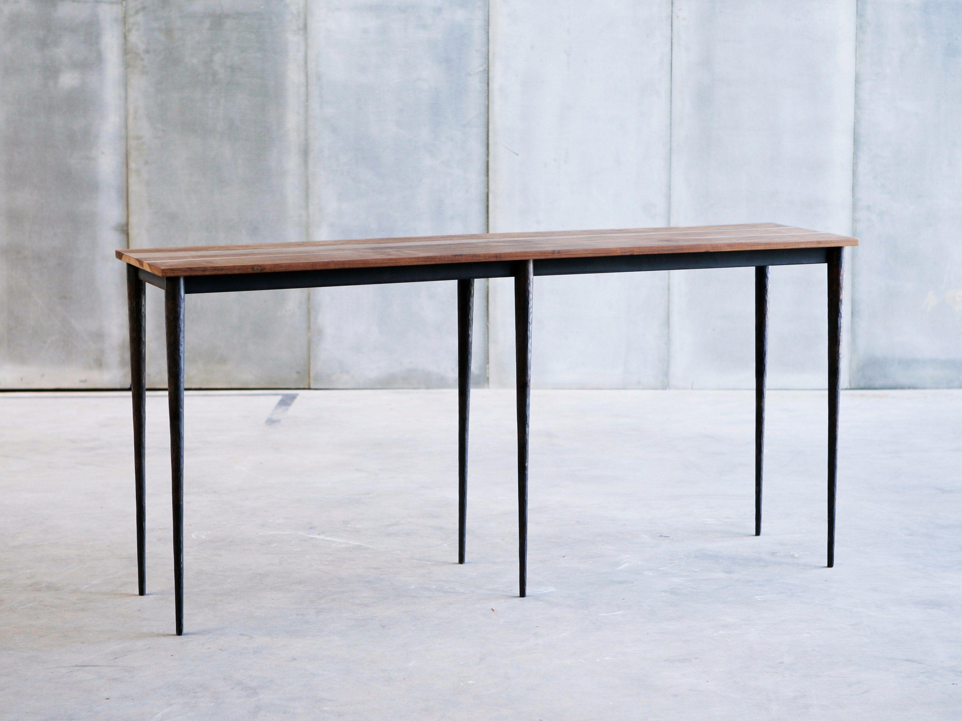 table console sur mesure bisbal mtm by heerenhuis. Black Bedroom Furniture Sets. Home Design Ideas