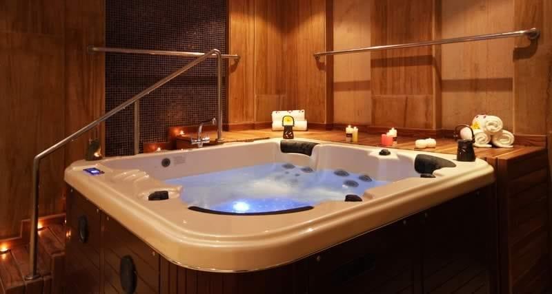 Bl 830 Hot Tub By Beauty Luxury