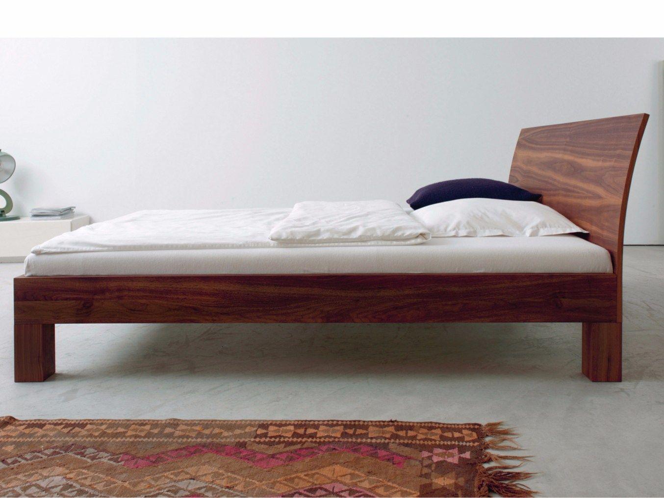 Letto matrimoniale in legno in stile moderno cama by more - Letto stile moderno ...