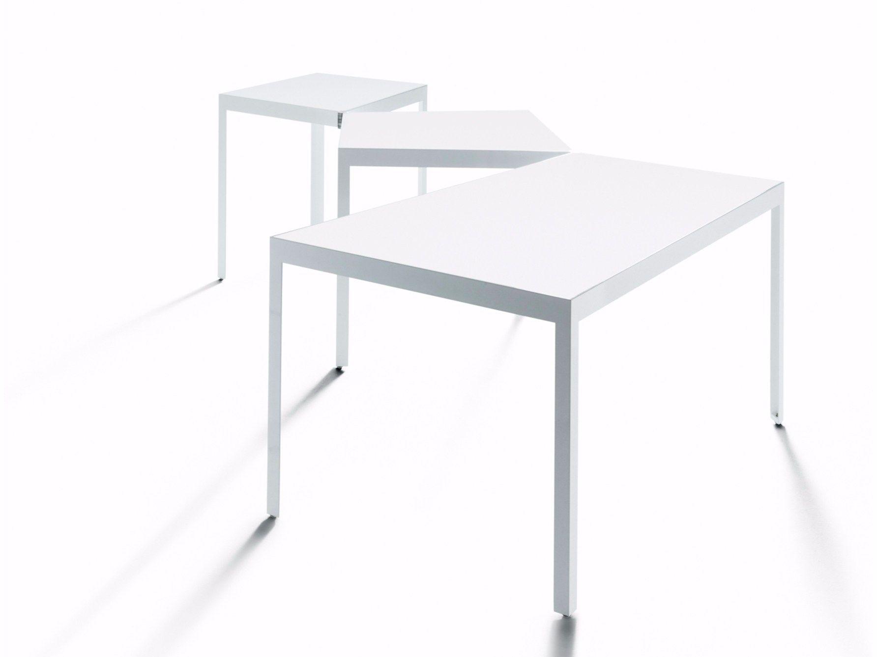 Tavolo a geometria variabile campo d 39 oro by de padova design paolo pallucco mireille rivier - Tavolo de padova quadrato ...