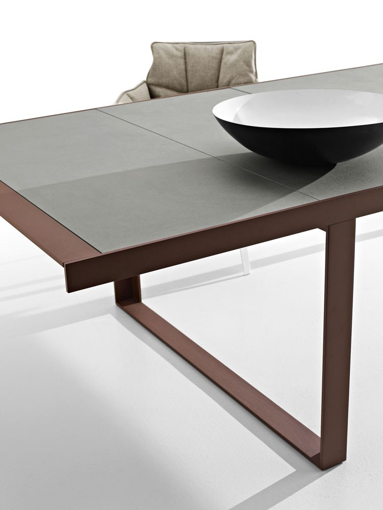 Canasta 39 13 table by b b italia outdoor design patricia for B b outdoor
