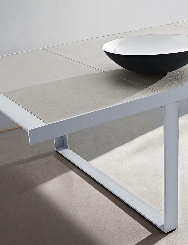 Canasta 39 13 table by b b italia outdoor design patricia for B b italia