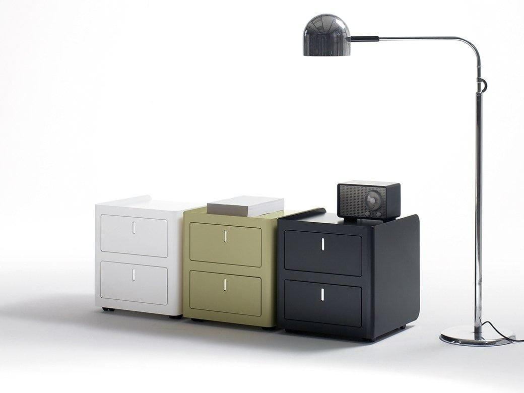 Cassettiera ufficio in metallo con serratura cbox by for Cassettiere ufficio design