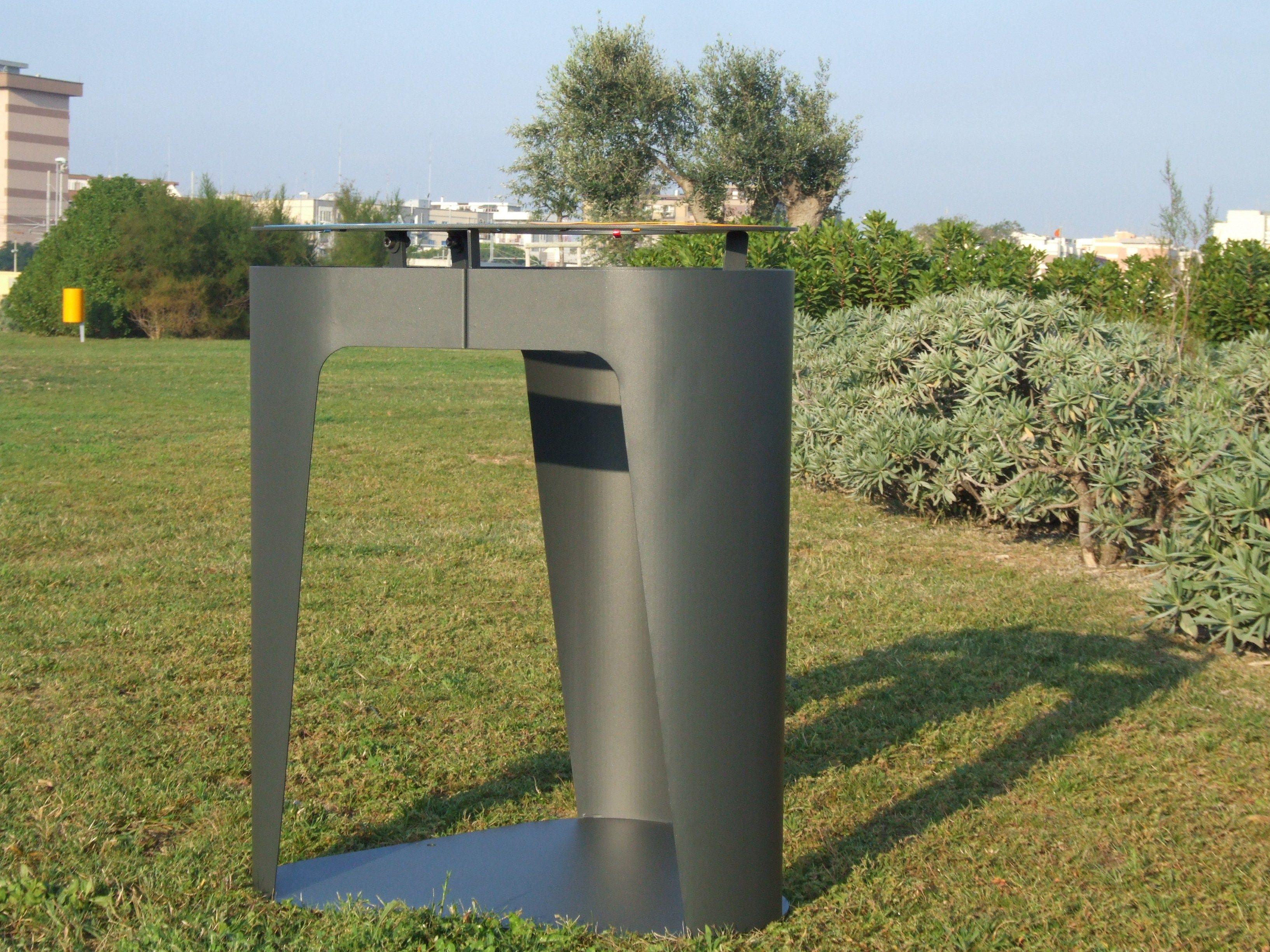 Poubelle pour ext rieur de tri s lectif churchill by lab23 for Poubelle exterieur design