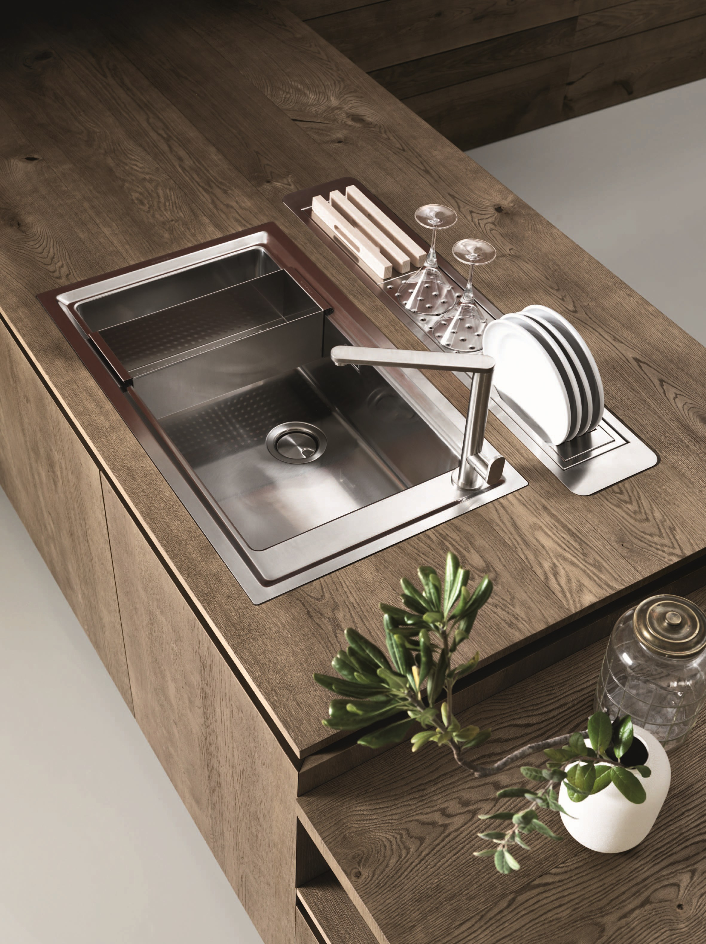 Oak fitted kitchen without handles cloe composition 3 by for Table inox avec evier
