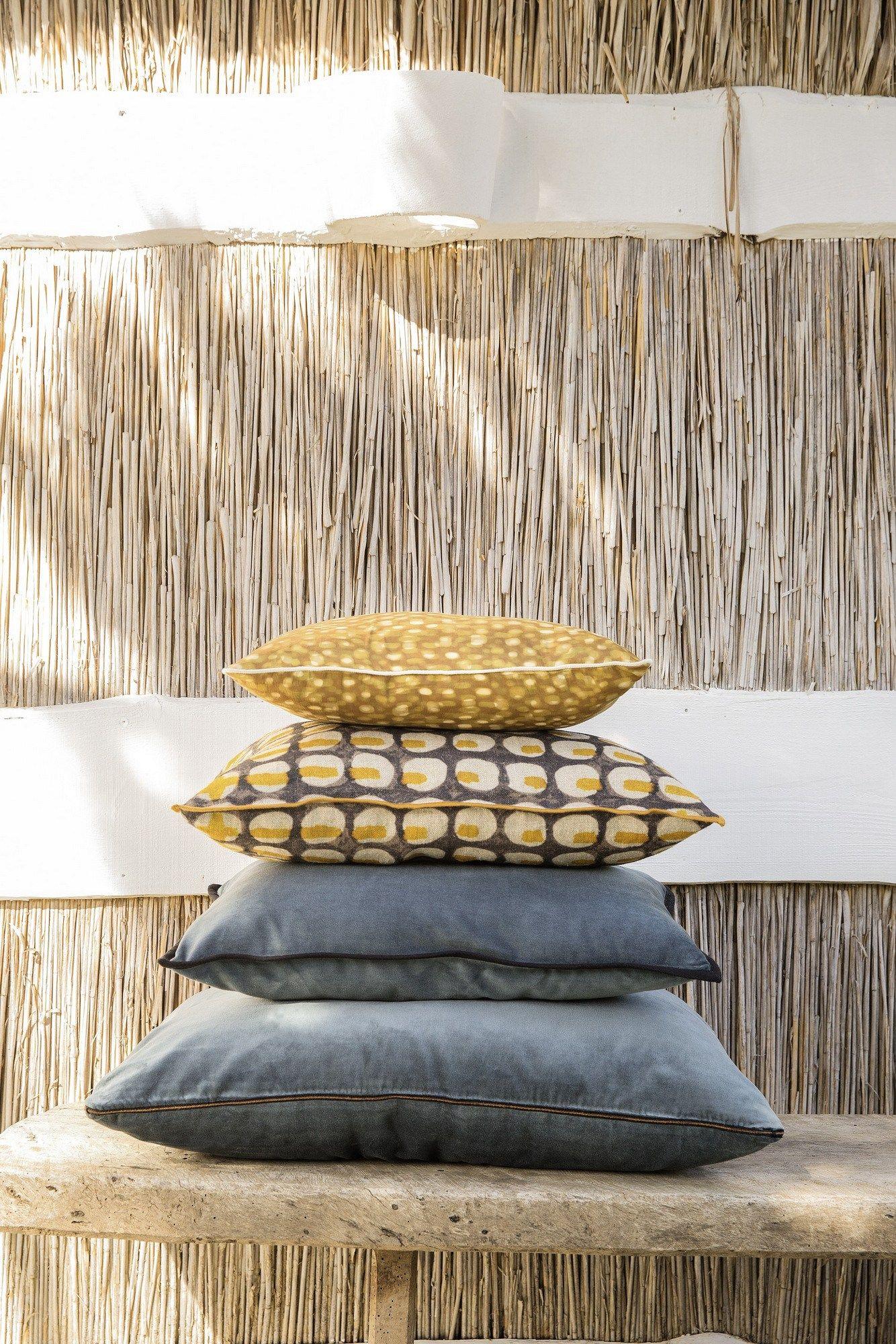 Coussin en tissu motifs g om triques pour canap for Canape rodier