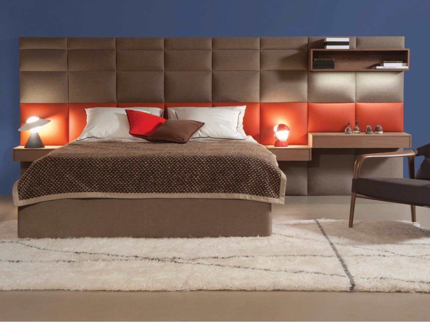 letto matrimoniale in tessuto con testiera alta courchevel by roche bobois design philippe bouix. Black Bedroom Furniture Sets. Home Design Ideas
