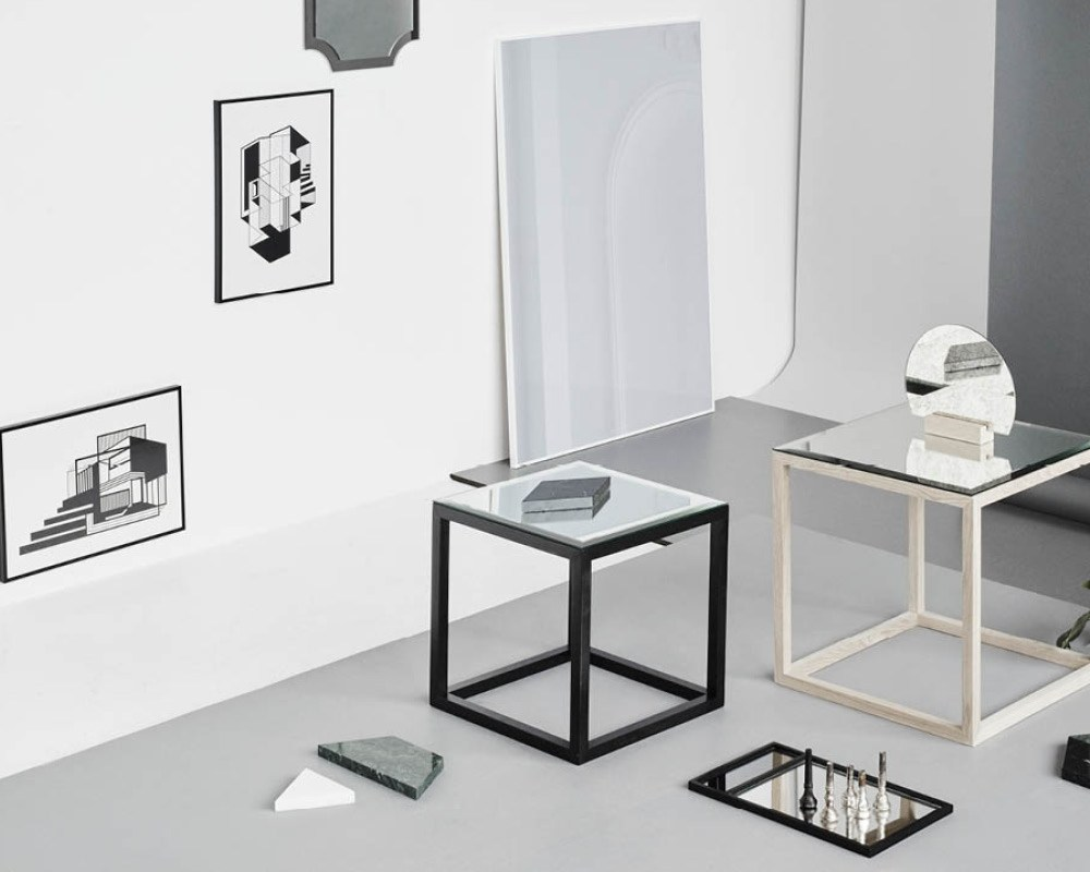 table basse table de nuit en verre miroir cube table mirror by kristina dam studio. Black Bedroom Furniture Sets. Home Design Ideas