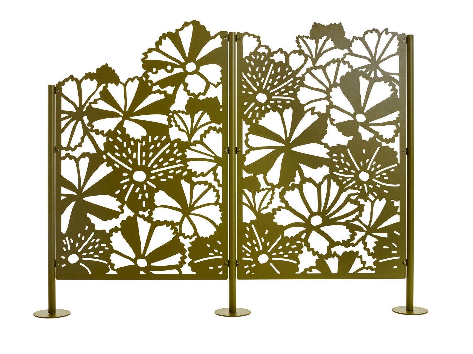 Schermo divisorio da giardino in acciaio verniciato a for Divisori da giardino