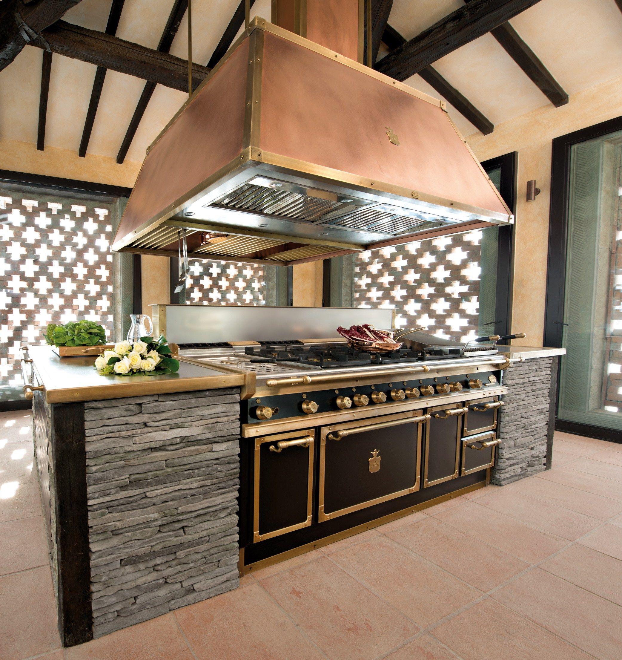 Küche Mit Kücheninsel DAVANZATI PALACE By Officine Gullo