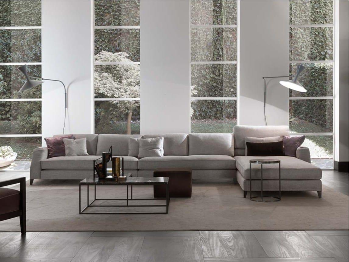 Davis class divano in tessuto by frigerio poltrone e divani - Divano divani e divani ...