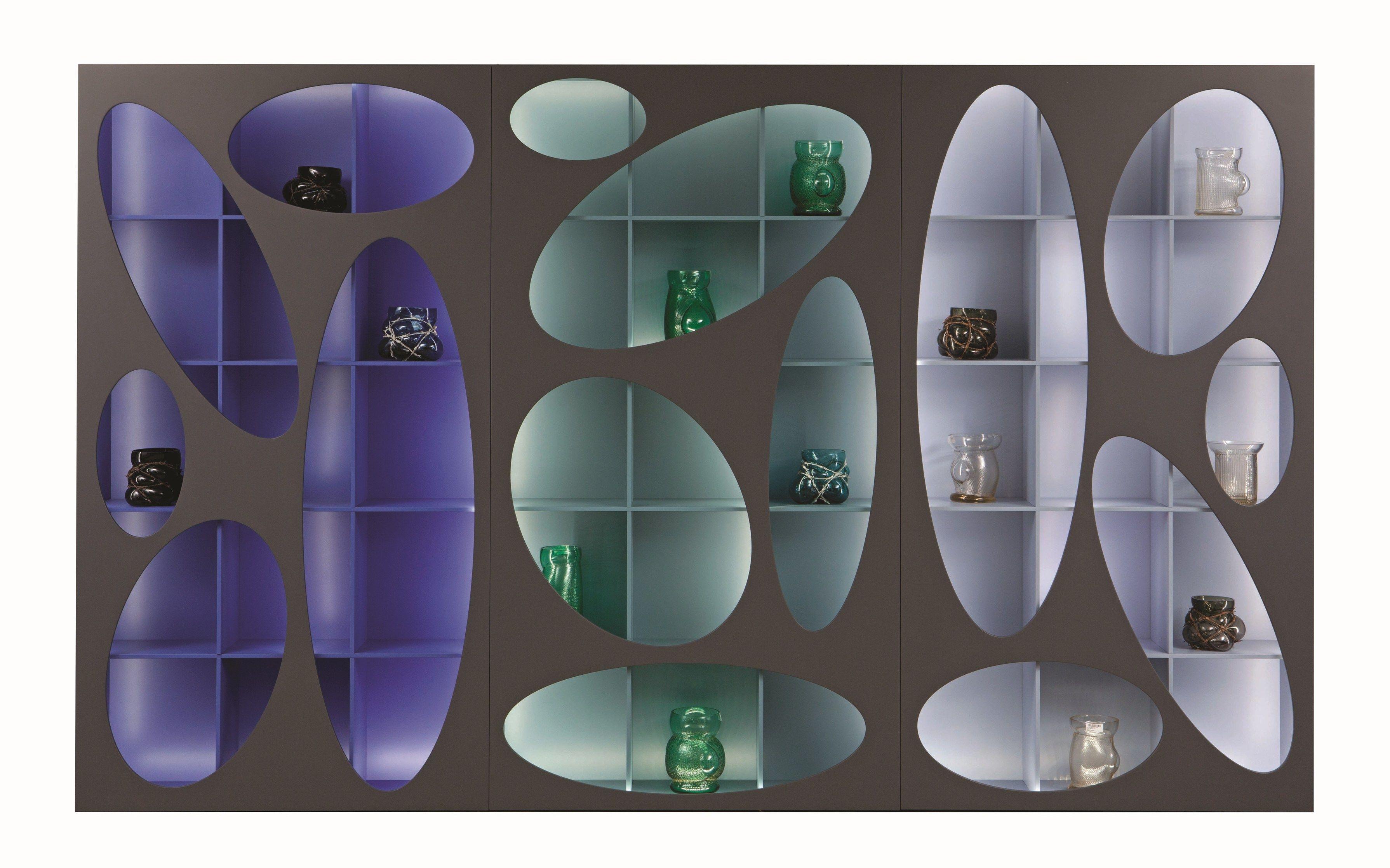 Libreria modulare a parete denia by roche bobois design for Libreria roche bobois