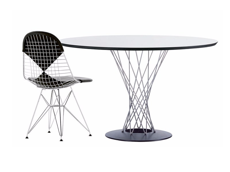 Round dining table dining table by vitra design isamu noguchi for Mesa table design by zaha hadid for vitra