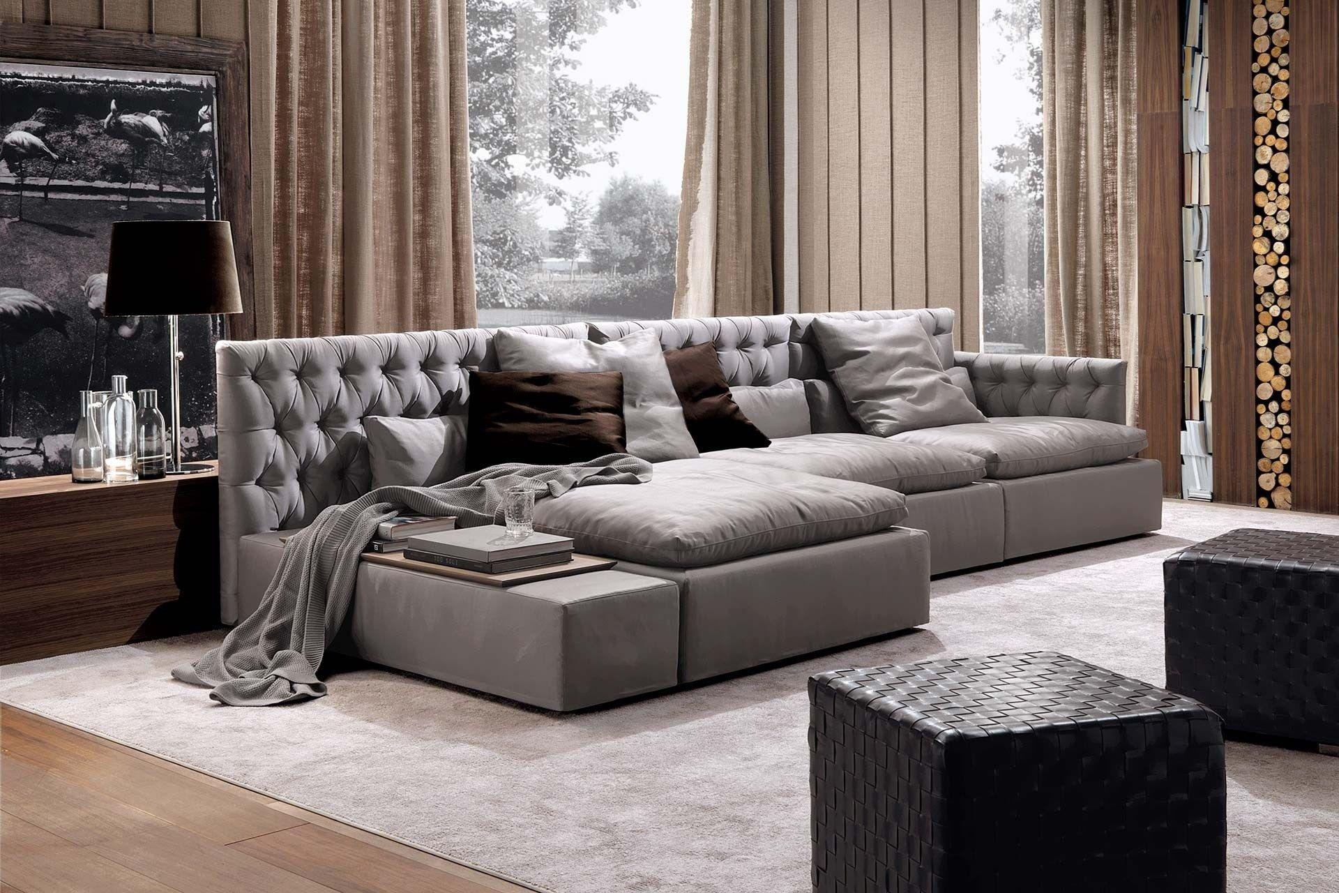 Domino capitonne 39 divano in pelle by frigerio poltrone e - Divani stretti e lunghi ...