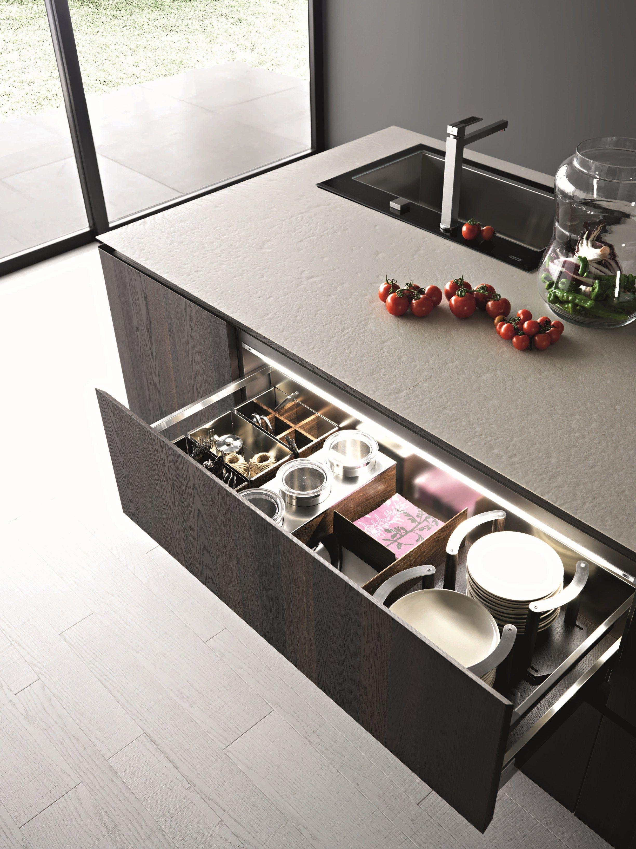 Cucina in legno con isola elle composizione 2 by cesar arredamenti design gian vittorio plazzogna - Cucina a elle ...