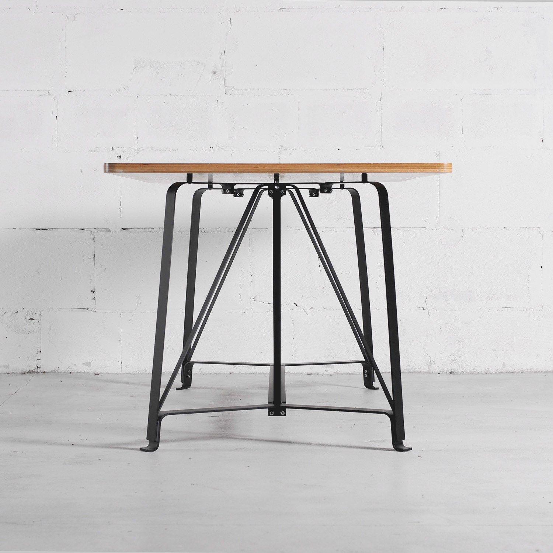 Tavolo in acciaio e legno f1 by odesd2 design aleksey for Tavolo legno acciaio