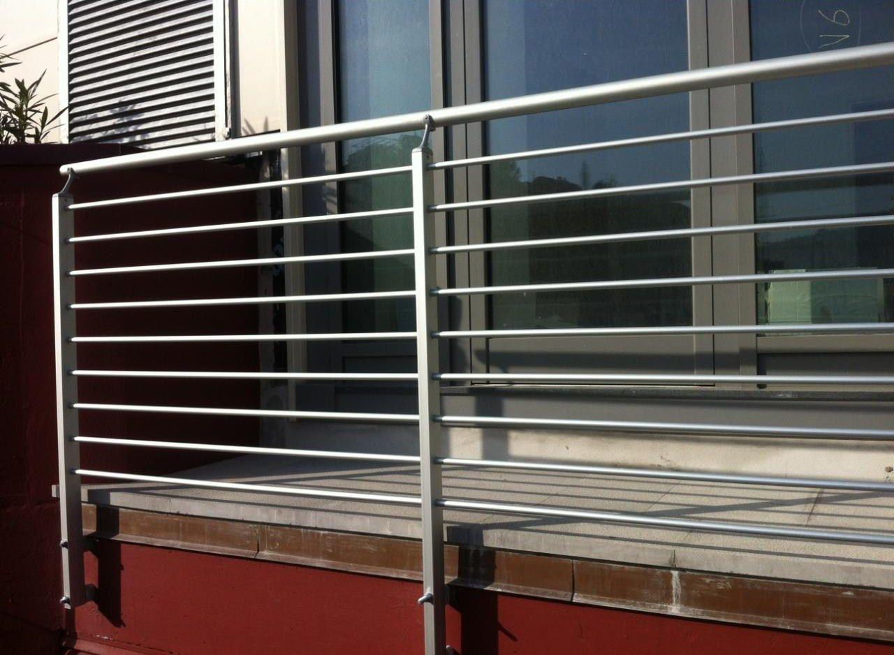 Parapetto in alluminio per finestre e balconi frosinone by for Divisori da esterno