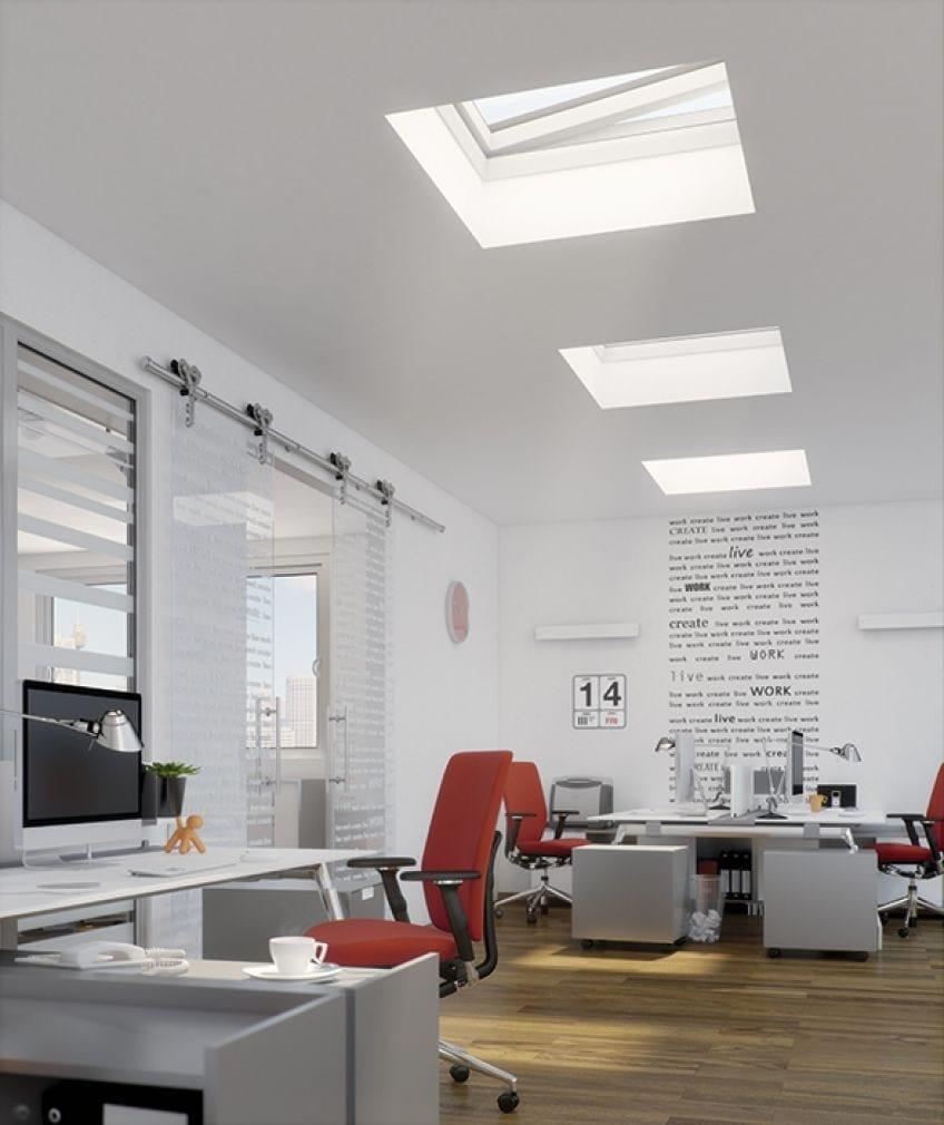 Finestra da tetto in pvc tipo f by fakro for Finestre tipo velux prezzi