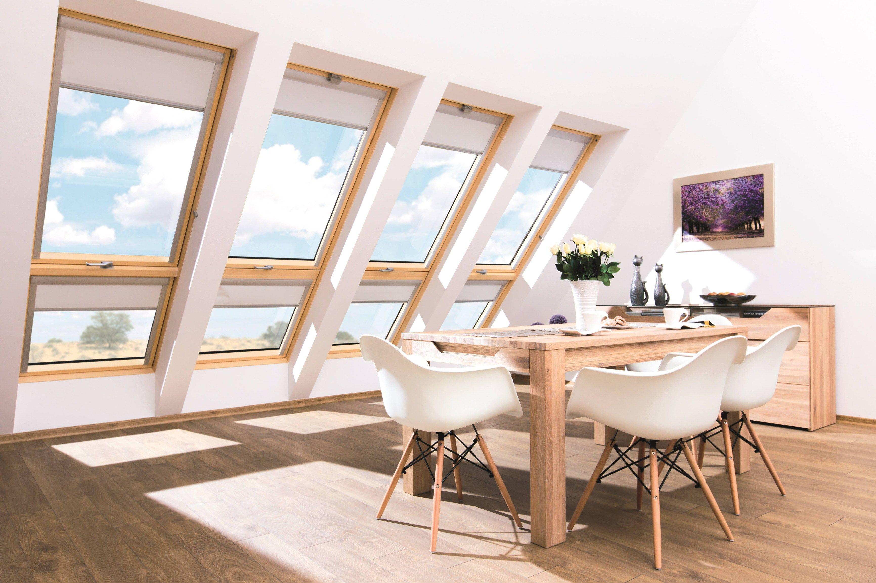 Finestra balcone galeria by fakro for Finestra balcone